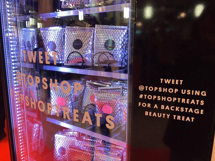 Topshop Twitter Vending Machine